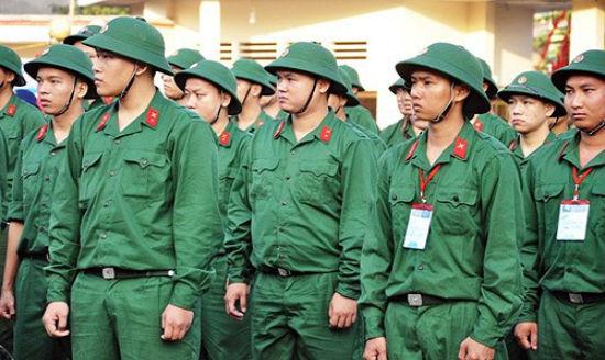 Đối tượng phải tham gia nghĩa vụ quân sự