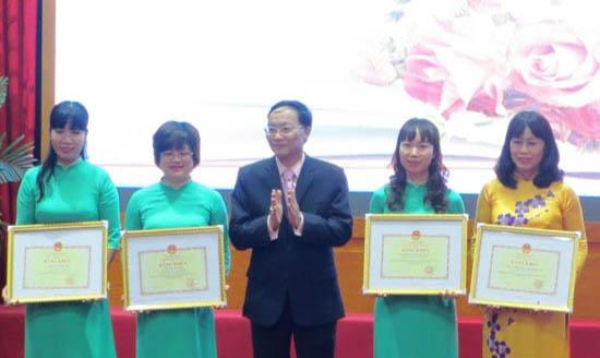 Chế độ khen thưởng của giáo viên nghỉ thai sản trong năm