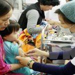 Không phân phát đủ liều vắc-xin cho trẻ bị xử lý như thế nào?